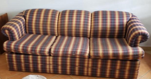sofa1.jpg.d54a42fab8a989a5257e35fca8c78912.jpg