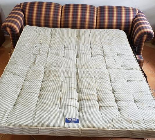 sofa2.jpg.844886c8ad5c9243c6bf531a3e9e0776.jpg