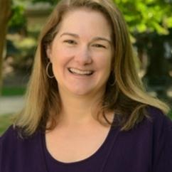 Kelly Schrum Receives Award