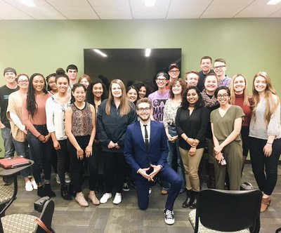 SPJ members hear from Fox 5 entertainment reporter, Kevin McCarthy