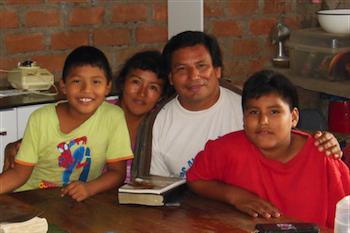 Arturo Marin.Family01