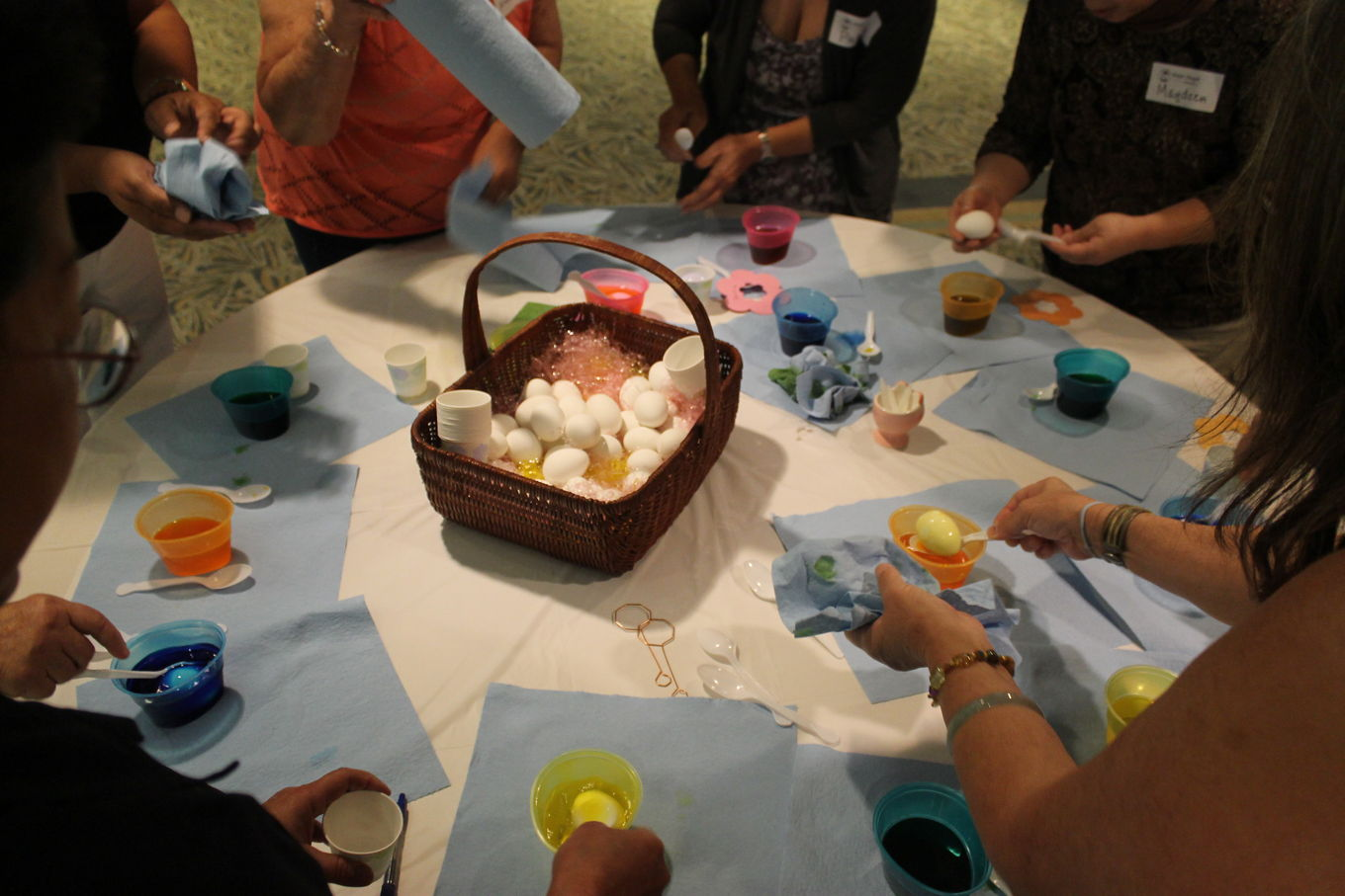 WB Coloring Eggs