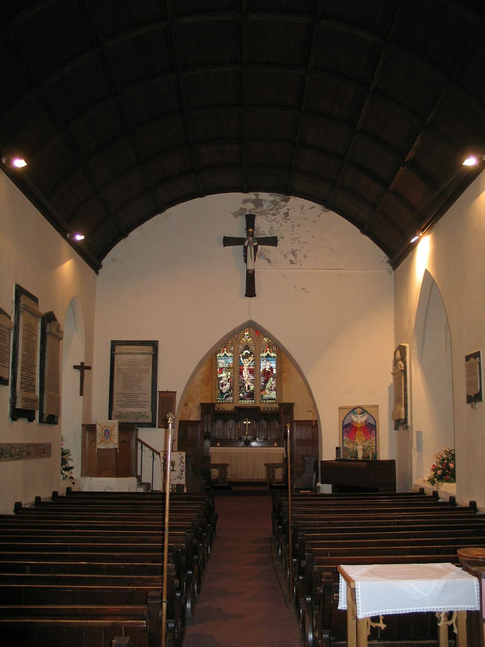 St Barrwg's Bedwas interior