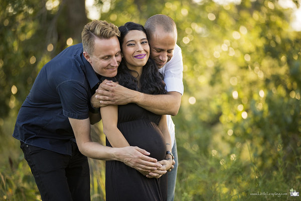 circle surrogacy family with their surrogate