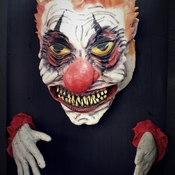 Wall_clown_2
