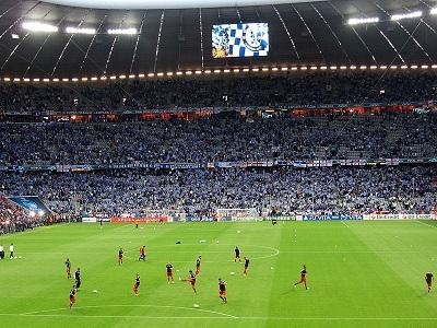 Fußball – Die Top 10 Vereine der 1. Bundesliga nach Facebook-Likes