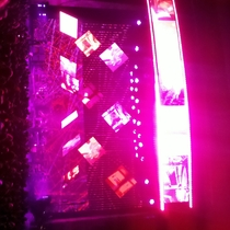 Mobile Post: Radiohead gets crowd wet.