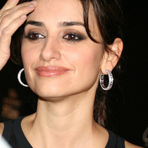 Penelope Cruz and Friends (Photos) on the Red Carpet 2009 SBIFF