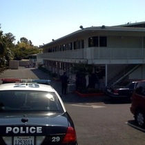 Mobile Post: Bank Robbery Suspect Currently Surrounded at Motel 6 on Upper State
