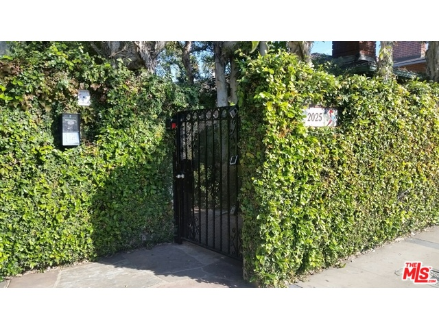 Home for sale: 2023 Cloverfield, Santa Monica, CA