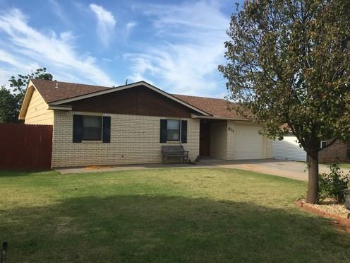 Home for sale: 811 Lakeridge, Woodward, OK