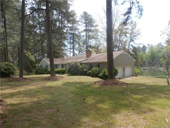 Home for sale: 712 Myer Creek Rd, Lancaster, VA