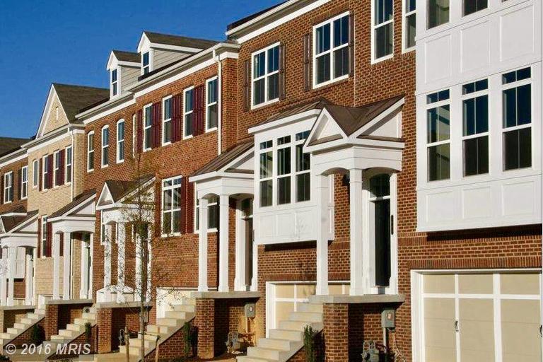 Home for sale: 2929 Chesham St, Farifax, VA