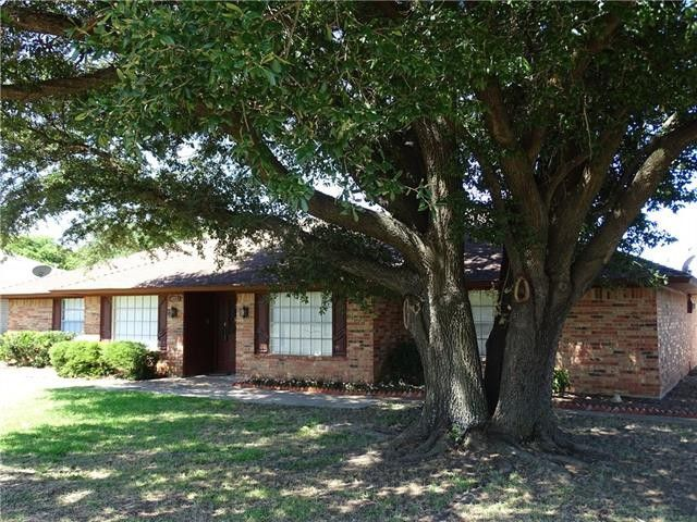 Home for sale: 413 N Trail St, Crowley, TX