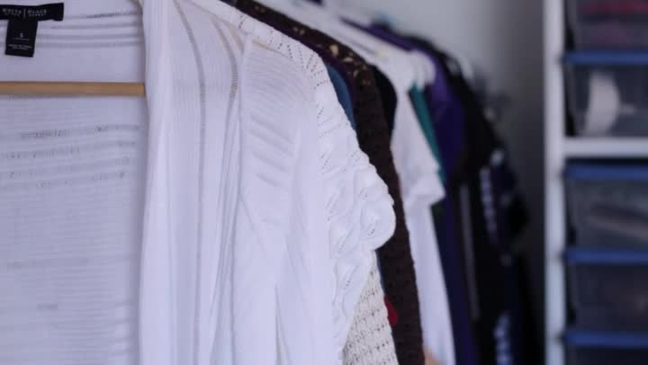 Video The Best Ways To Color Coordinate Your Closet Ehow