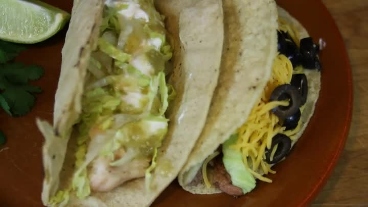 video what to serve with fish tacos ehow