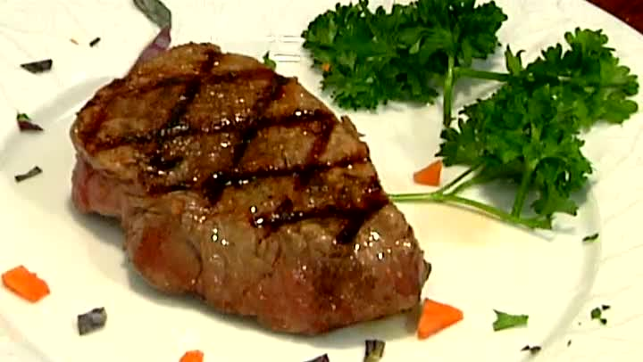 Video: How to Grill Buffalo Steaks | eHow