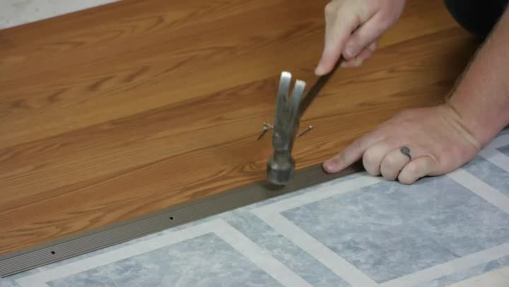Video Transitioning From Laminate Flooring To Linoleum Ehow