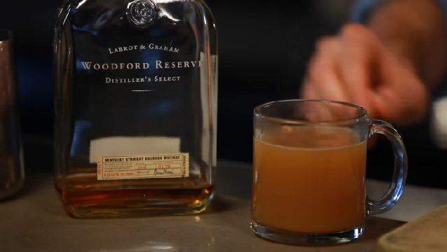 Video: Fall Favorite: Hot Boozy Apple Cider | eHow