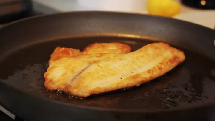 Video how to cook pan tilapia ehow for How to cook tilapia fish