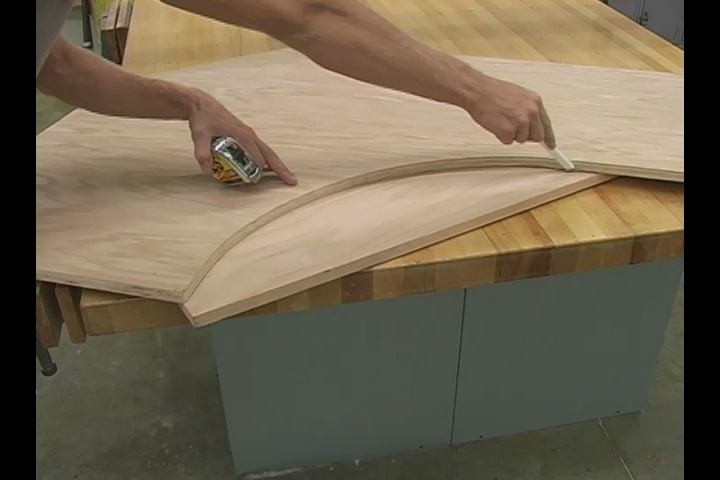 Video How to Make Curved Trim for the Top of your Custom Oak