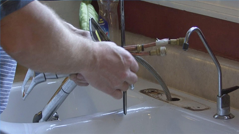 Design450450 Installing Kitchen Faucet How to Replace a – Changing a Kitchen Faucet