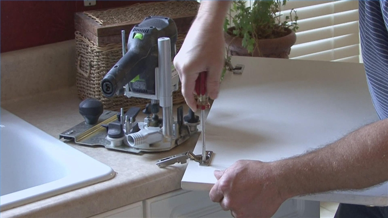 Video How To Replace Kitchen Cabinet Doors Ehow