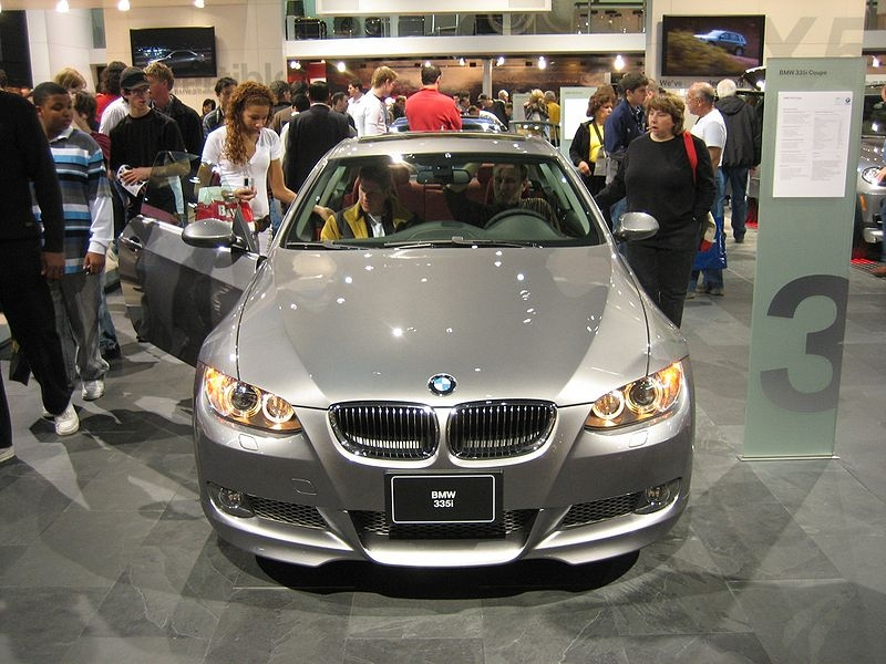 Bmw 335i Vs Bmw 335xi It Still Runs Your Ultimate