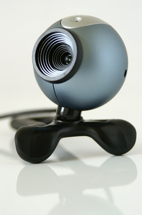bHow to Use a Webcam on a Laptop to Record a Room Secretly