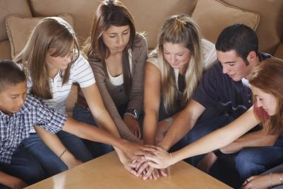 Game ideas for a small teen church group our everyday life for Small room youth group games