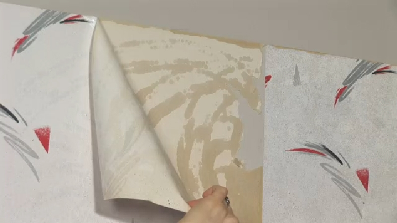 Video: How to Remove Wallpaper From Plaster | eHow