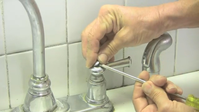 Video: Double Handle Kitchen Faucet Repair | EHow