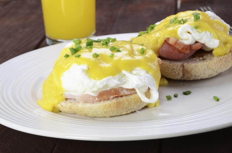 Calories in Eggs Benedict | LIVESTRONG.COM