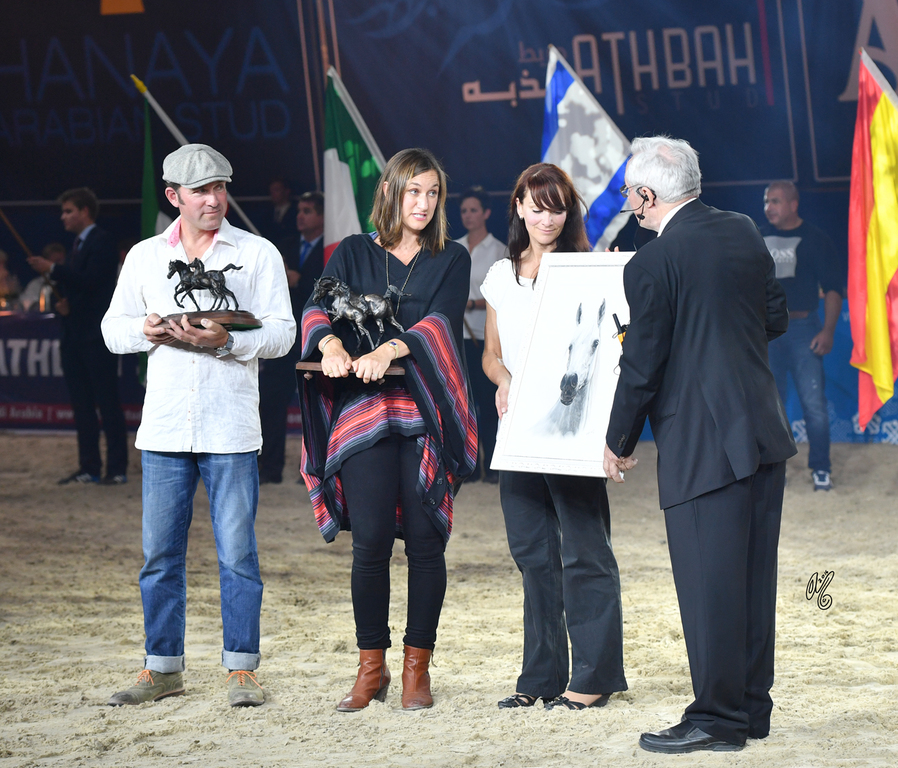 Estopa, represented by Janina Metz (USA) of Om El Arab, was also honored with the Lifetime Achievement Award