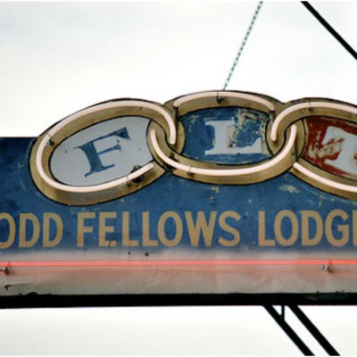 Oddfellows_sign02sq