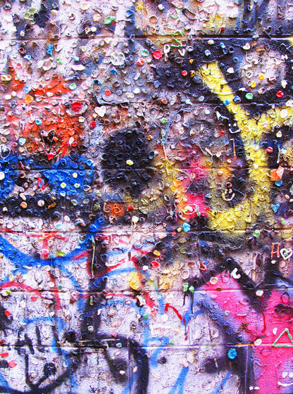 Graffiti_wall_with_bubblegum