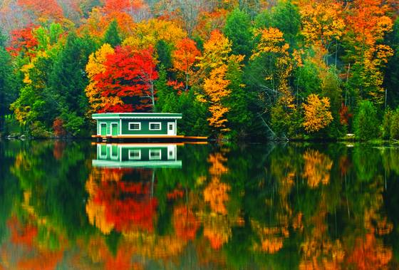 Boathouse_reflection
