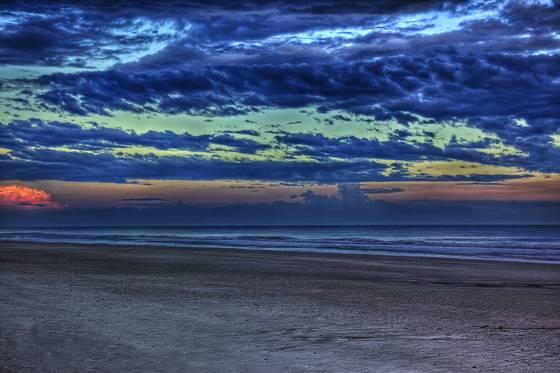 Ocean_at_dusk