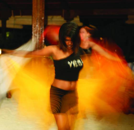 Dancing_girl_2