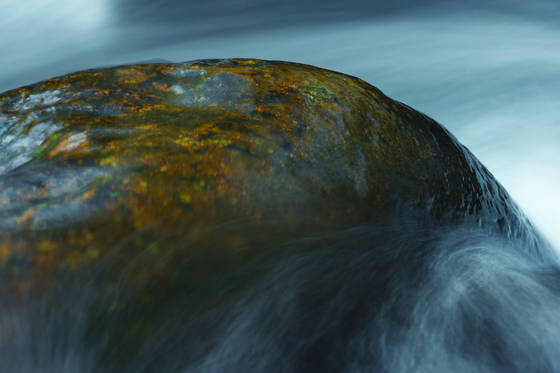 Stone_and_water_3