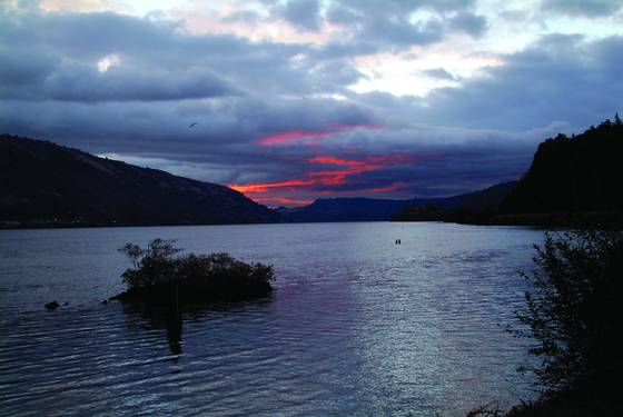 Sunrise_on_the_columbia_river