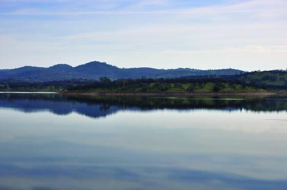 Tranquil_lake