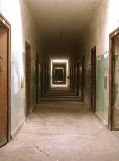 3-hallway_of_hell