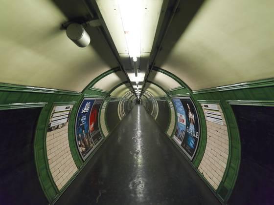 Tube_station_4