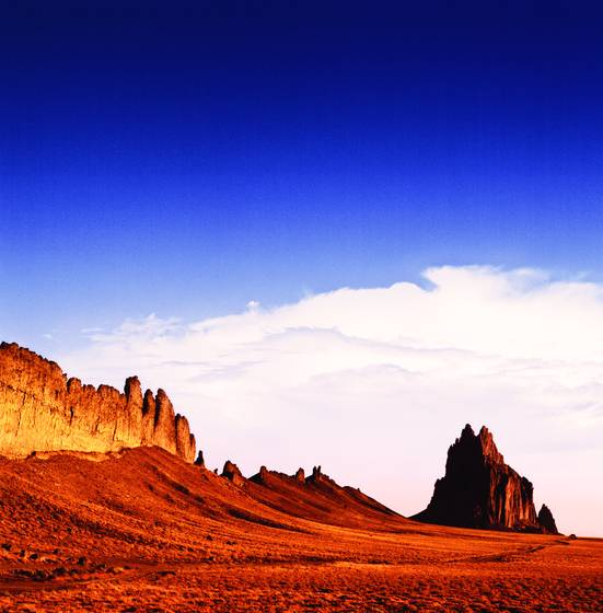 Navajo_country_-_ship_rock_at_dawn