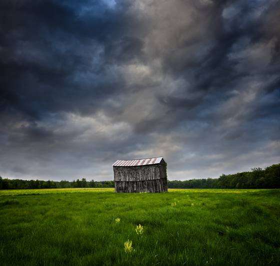 Lone_barn