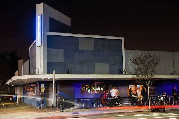 Bluefoot Bar & Lounge