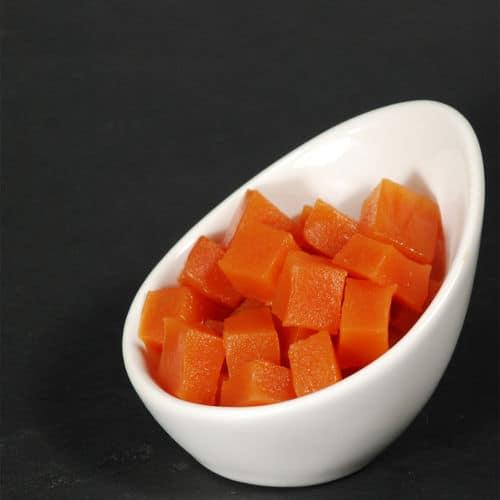 Papaya agar gel cubes