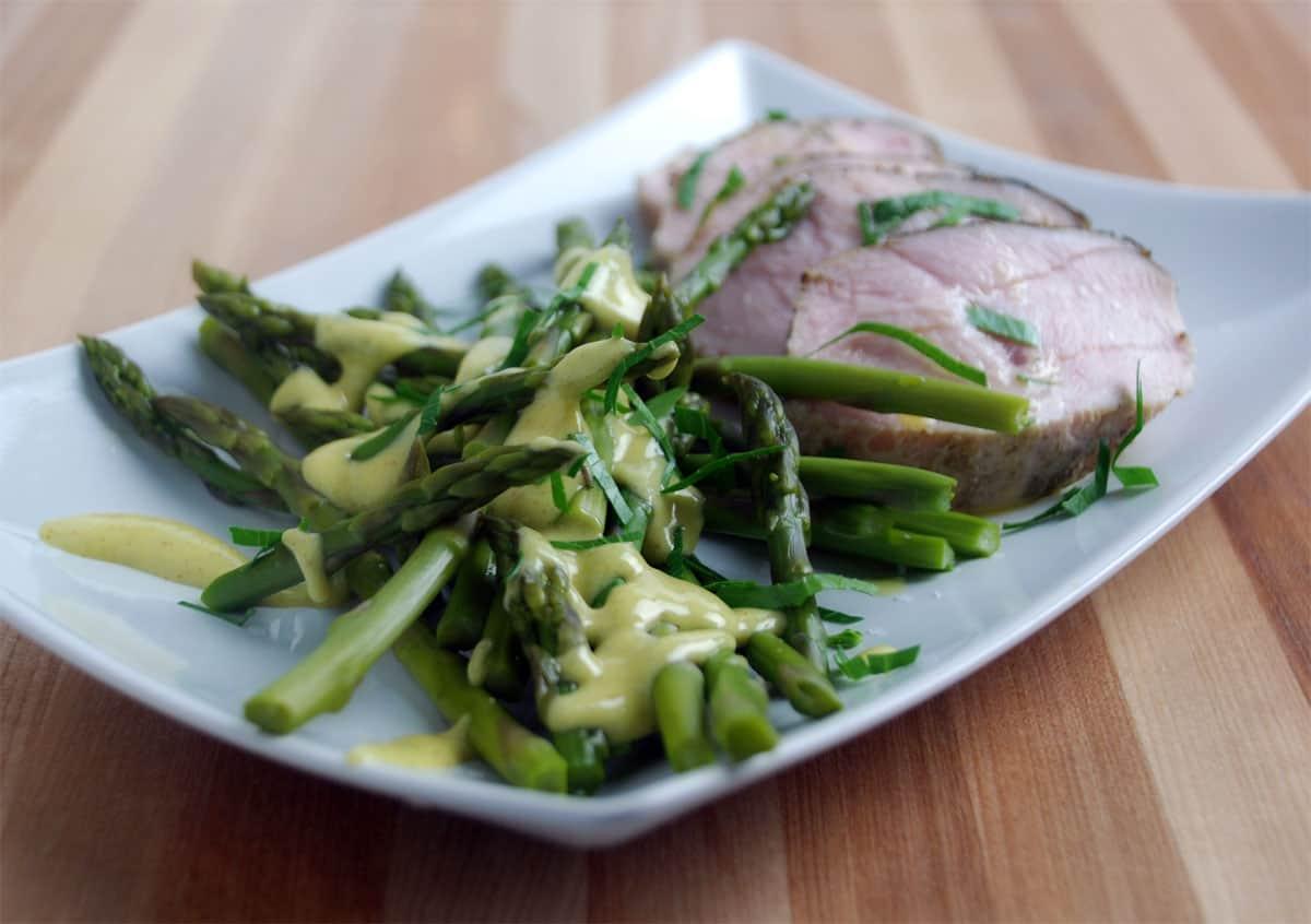Sous vide asparagus recipe with dijon mustard vinaigrette for Cuisine sous vide