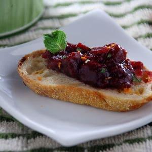 Cranberry crustini